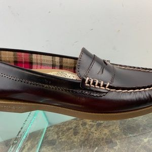 Sperry Top Sider Burgundy Slip On Penny Loafers 7M